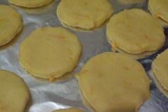 Тесто песочное шоколадное печенье с арахисом и апельсиновой цедрой.