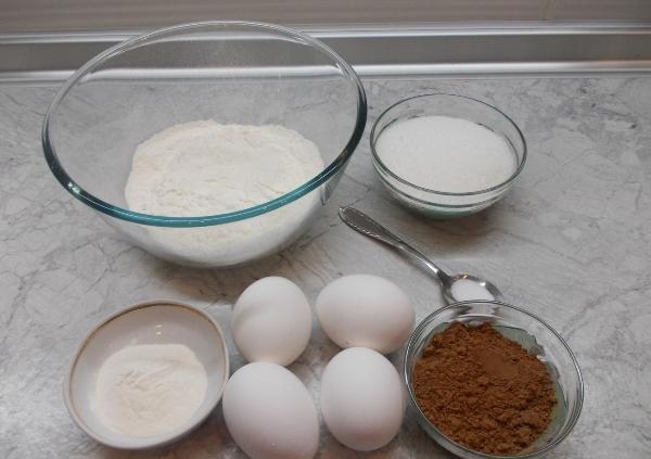 Фото shokoladniy biskvit s kremom 1.