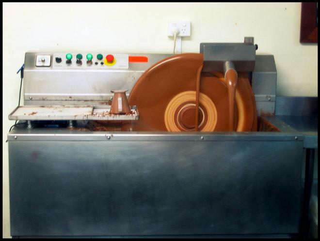 Фото 8. Оборудование для темперирования.