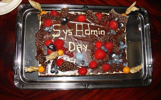 Фото шоколадного торт для сисадмина.