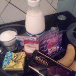 Фото 1. Ингредиенты для шоколадно-молочного желе с бананом.