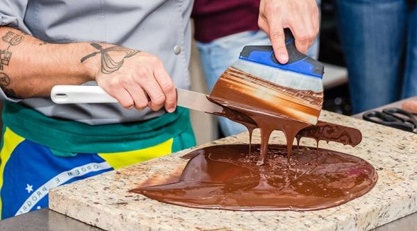 Фото kniga receptov pro shokolad01.