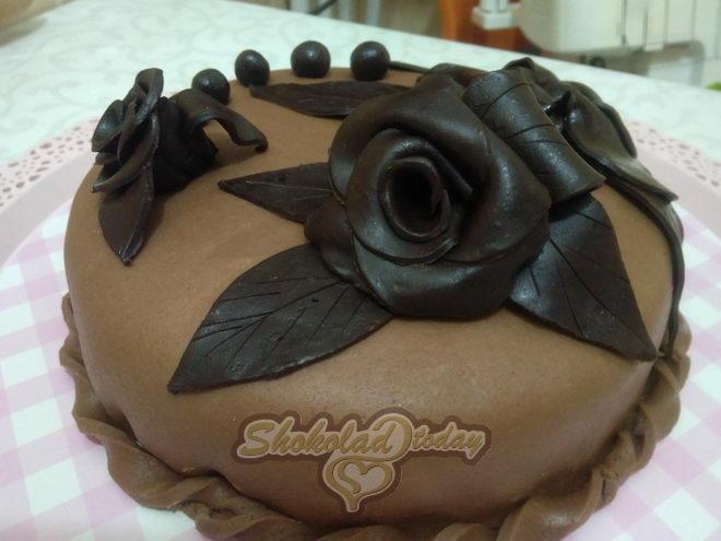 Фото торт с шоколадной мастикой 28.