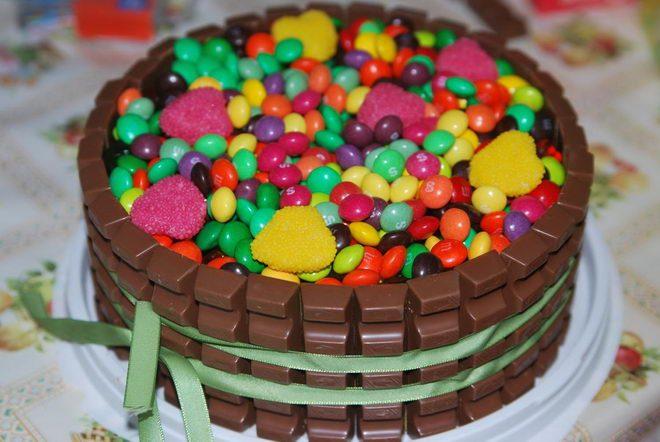 Фото торт из шоколадок.