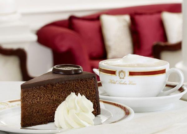 Фото торт и кофе.