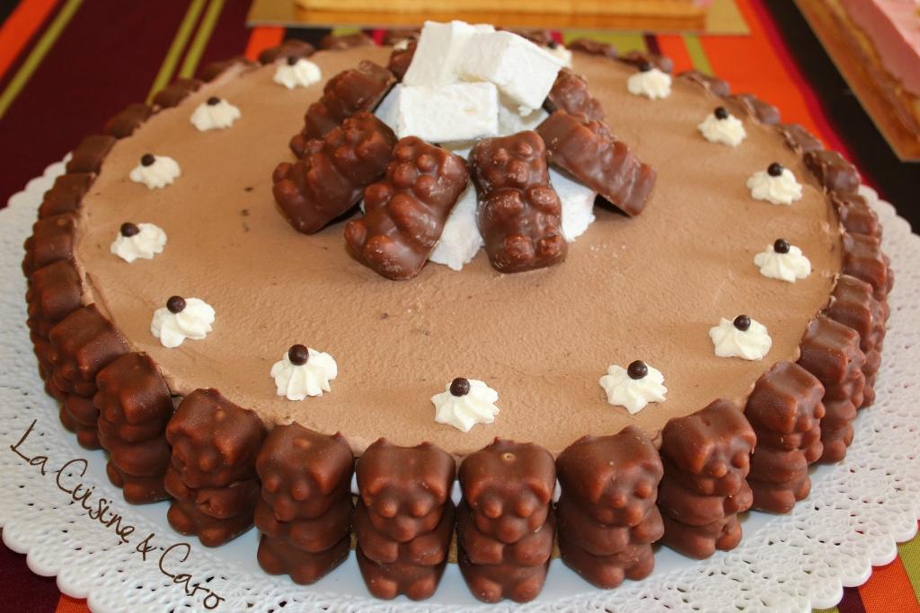 Фото tort ukrashennyj konfetami i shokoladkami 41.