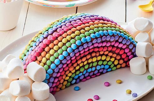 Фото tort ukrashennyj konfetami i shokoladkami 44.