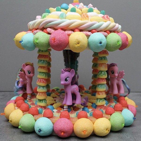 Фото tort ukrashennyj konfetami i shokoladkami 61.