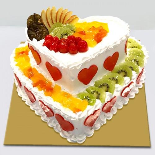 Фото tort s ukrasheniyami iz fruktov i yagod 1.