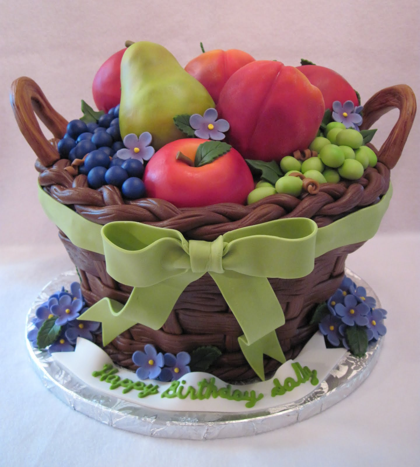 Фото tort ukrashennyj fruktami 21.