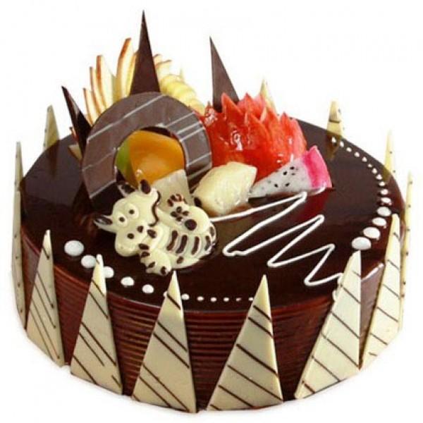 Фото tort ukrashennyj fruktami 25.