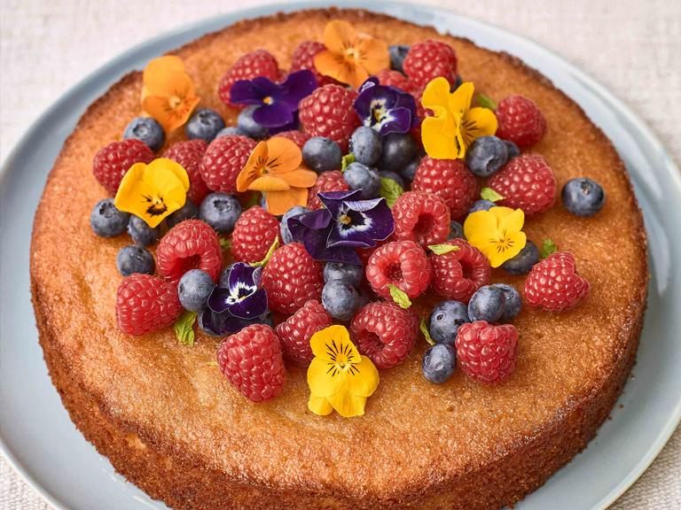 Фото tort ukrashennyj fruktami 33.