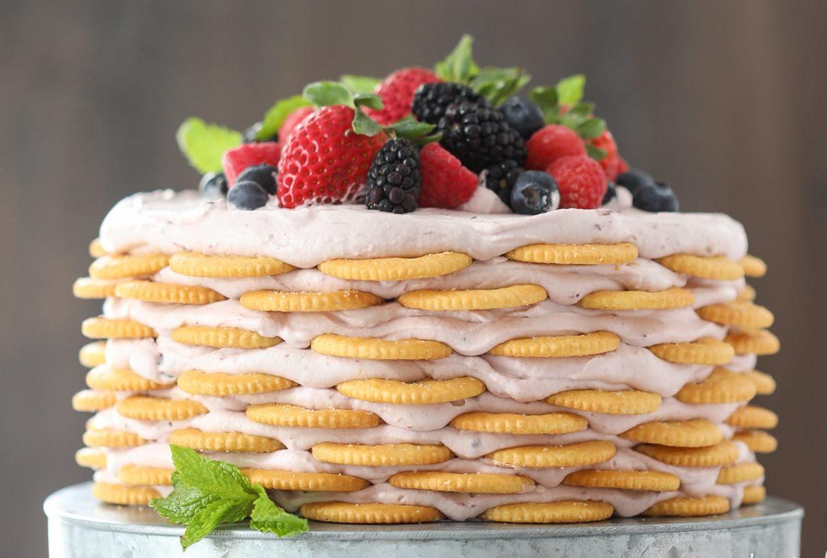 Фото tort ukrashennyj fruktami 36.
