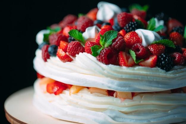 Фото tort ukrashennyj fruktami 39.