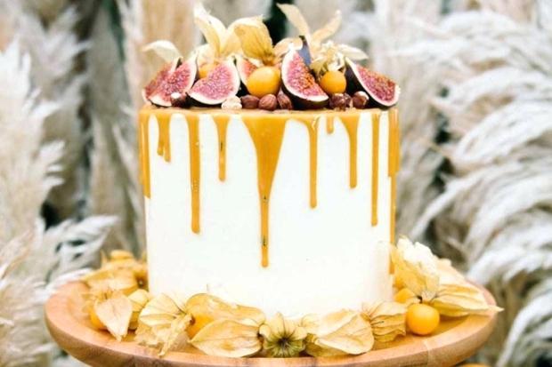 Фото tort ukrashennyj fruktami 49.