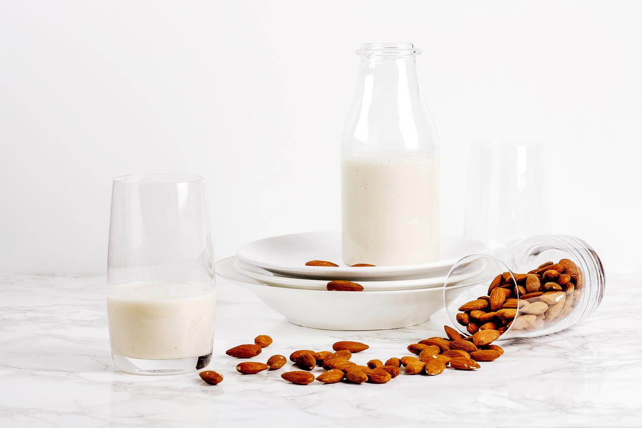 Фото ореховое молоко.