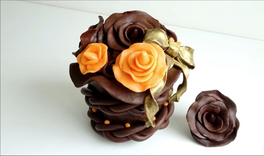 Фото shokoladnye rozy dvuh tsvetov.