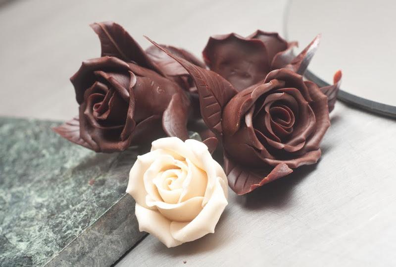 Фото шоколадные розы.