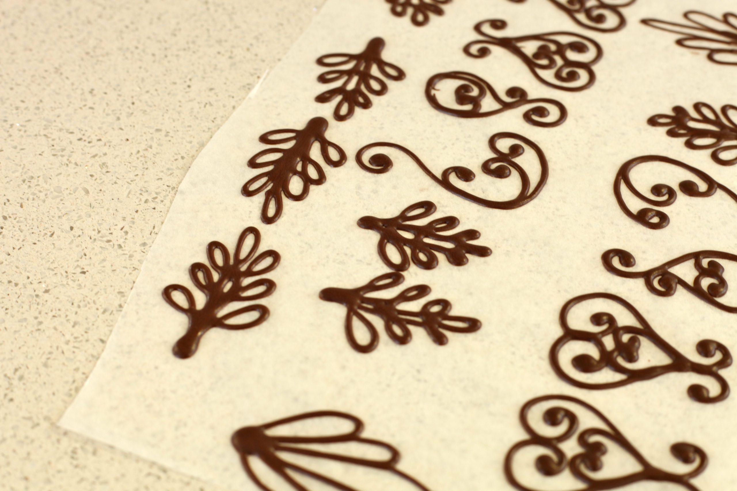 Фото Создание ажурных плоских украшений.