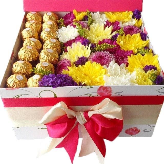 Фото сладости в коробке.