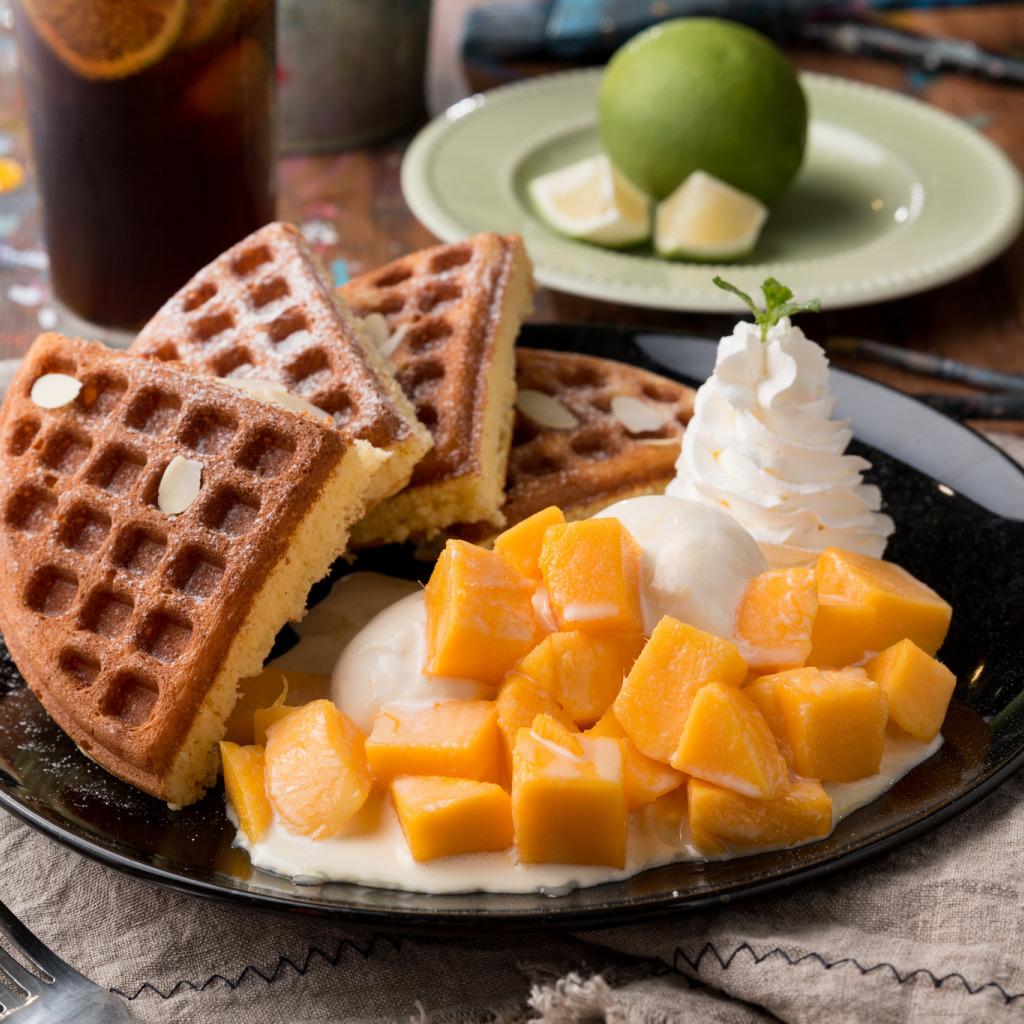 Фото вафли с манго.