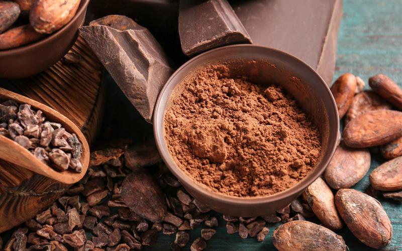 Фото Какао порошок и зерна.