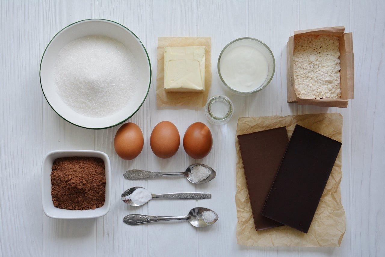 Фото ингредиенты для пудинга.