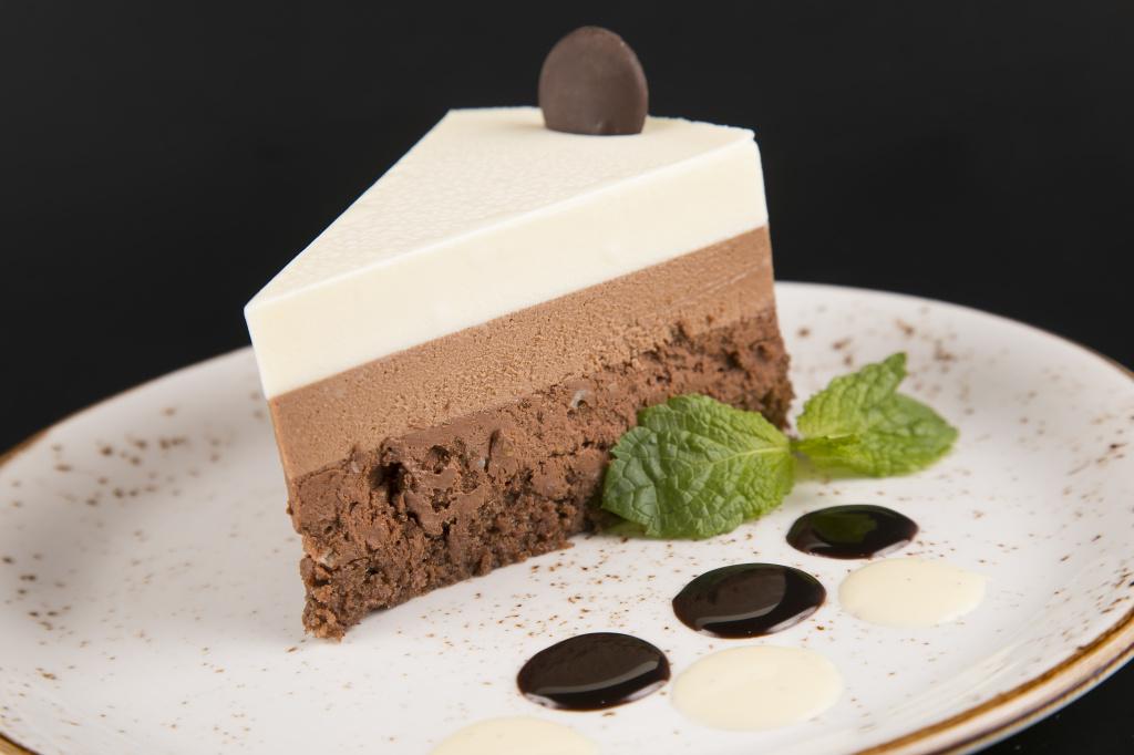 Фото Десерт три шоколада.