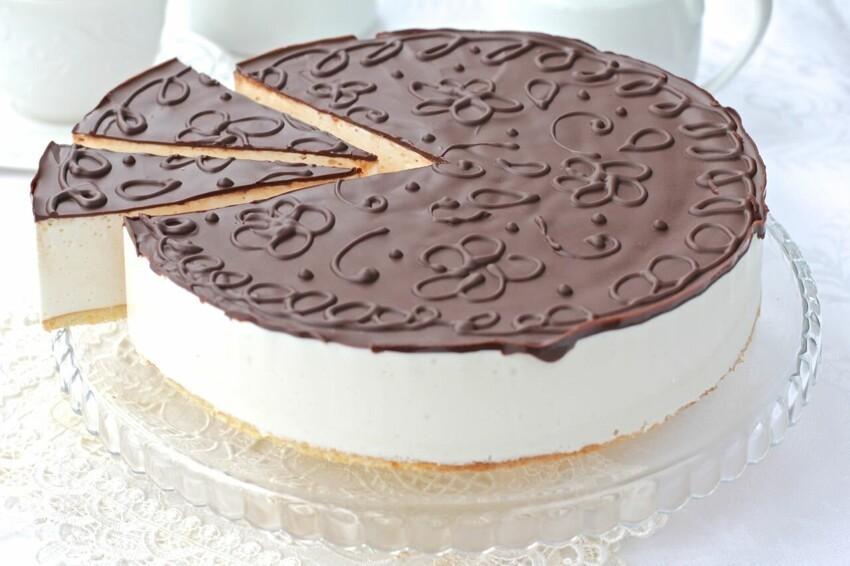 Фото готовый торт.